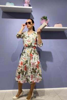 kleit lilleline vööga